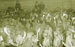 Eq-Nazis1933Fackel.jpg
