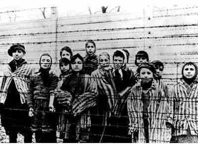 Auschwitz27Jan2011-01.jpg